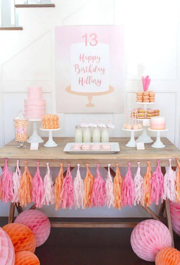 Festa em casa em tons de rosa e laranja