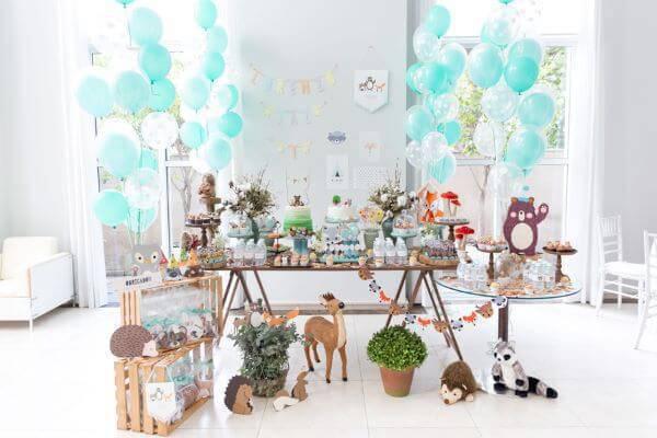 Festa em casa infantil com tema da floresta