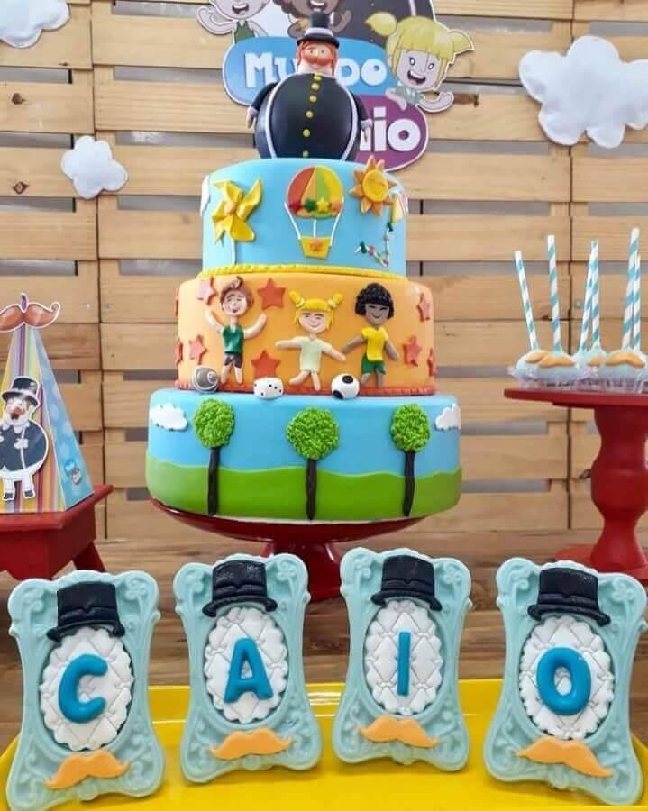 festa mundo bita com bolo 3 andares decorado Foto Oficina de Sonhos