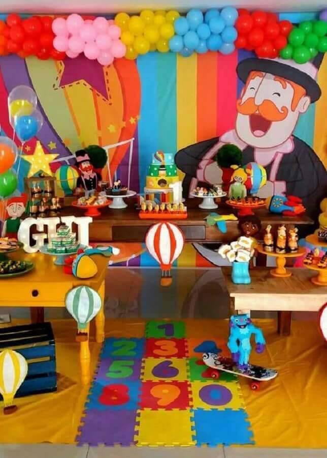 party world bita with colorful decoration Foto Mil Ideias para Festas