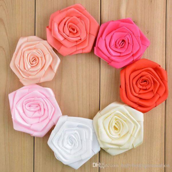 Flor de cetim rococó