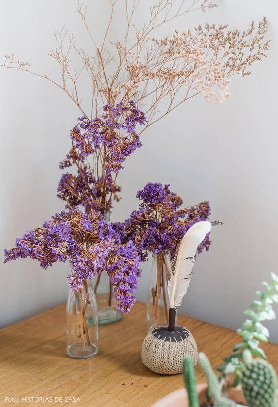 flores secas - mesa com flores secas roxas