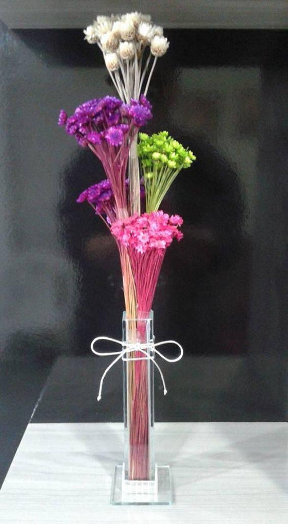 flores secas - vaso com flores secas coloridas