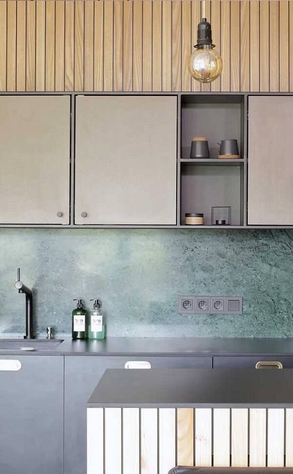 Cozinha com parede de granito verde ubatuba