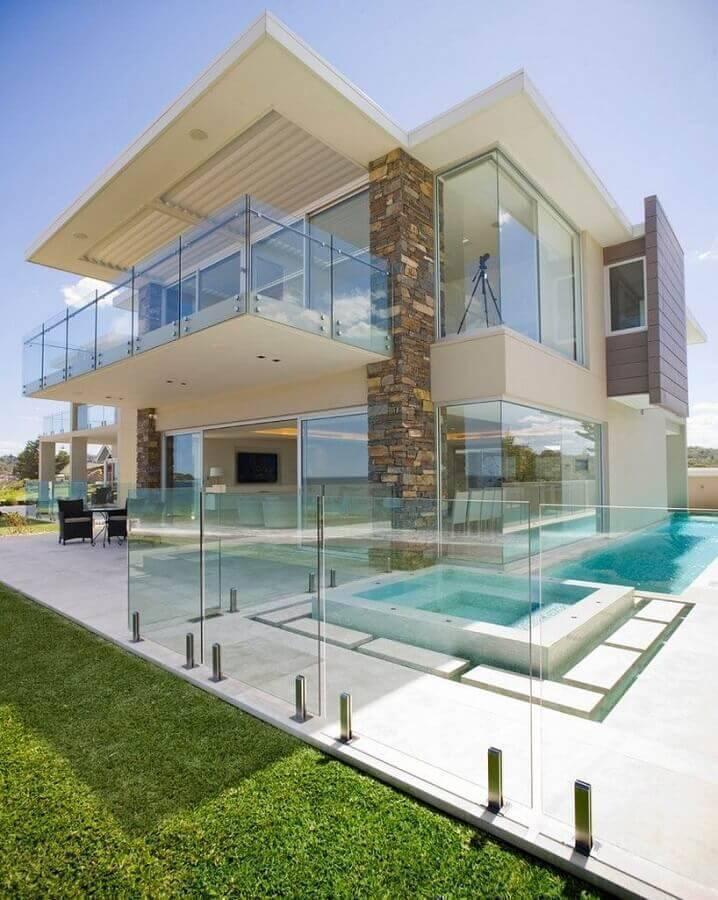 guarda corpo de vidro para sacada de casa moderna Foto Architizer