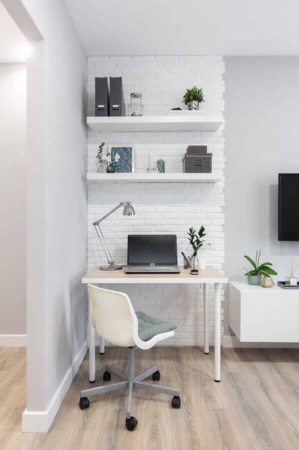home office pequeno decorado na cor branca Foto Wood Save