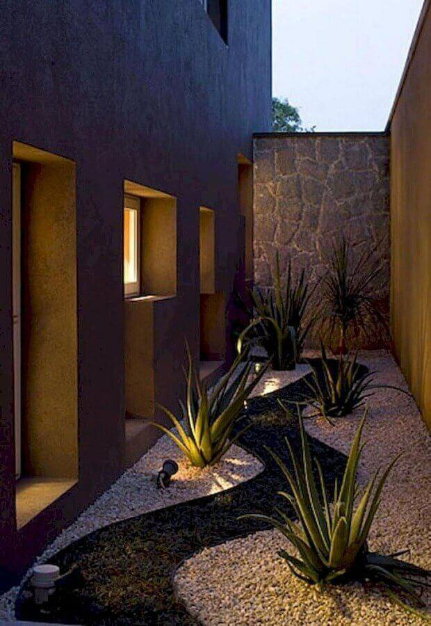 iluminação para jardim residencial com pedras Foto Pinterest