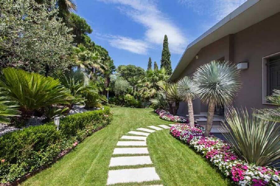 jardim residencial com flores Foto Pinterest
