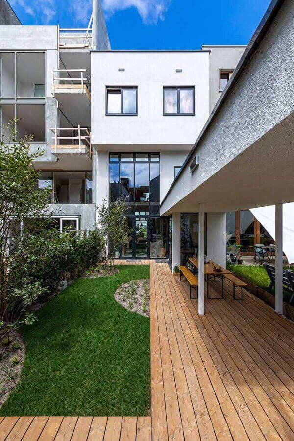 jardim residencial moderna Foto De Architect