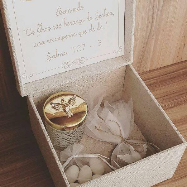 Lembrancinha de batizado para padrinhos com presentes especiais