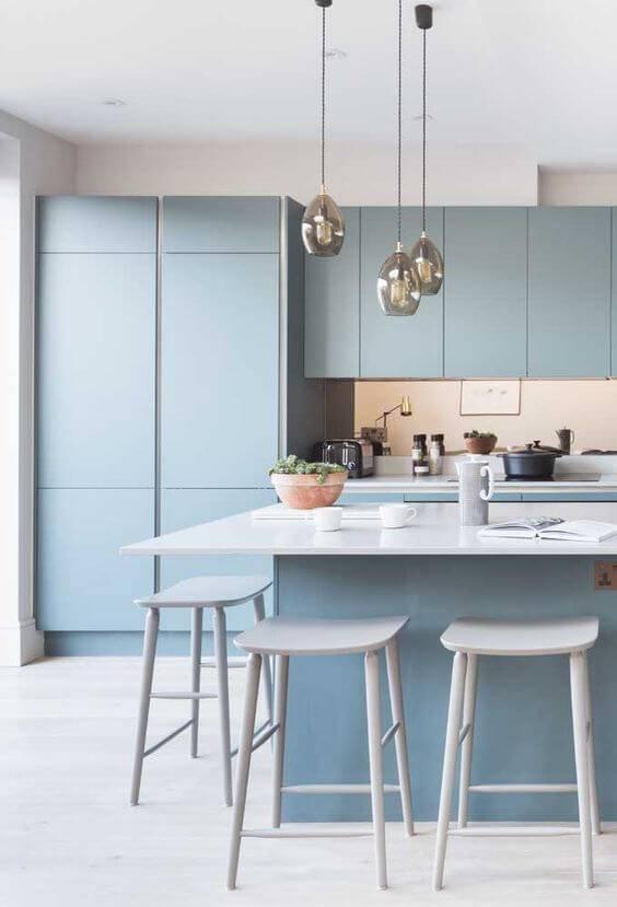 Lustre para cozinha em tons de azul