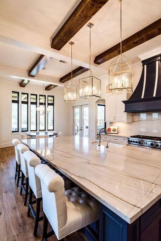 Lustre para cozinha com balcão de mármore
