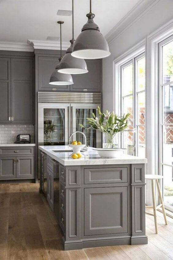 Lustre para cozinha moderna em tons claros