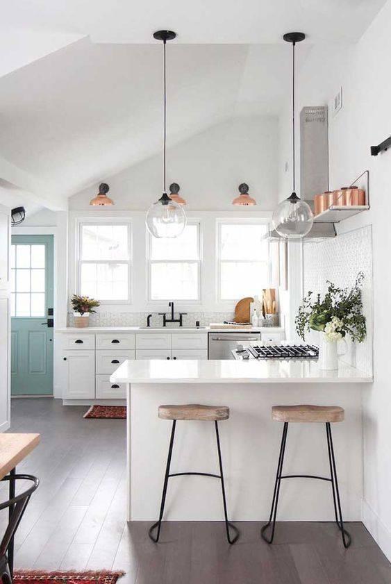 Balcão pequeno para deixar a cozinha mais prática