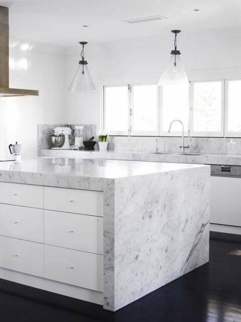 Bancada da cozinha de mármore