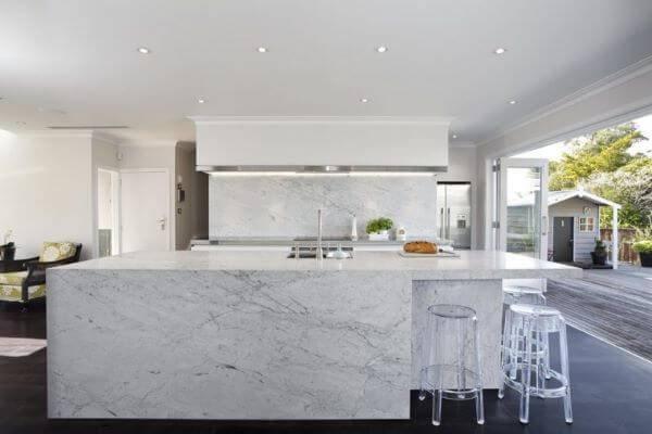 marmore-carrara-na-cozinha-construindo-decor