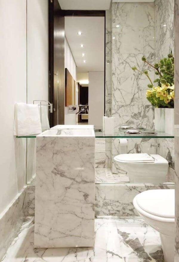 Mármore carrara no lavabo sofisticado