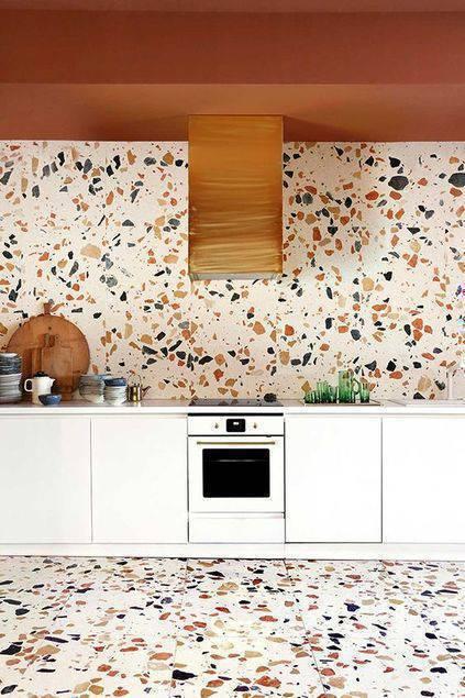 marmorite - cozinha com marmorite no chão e na parede