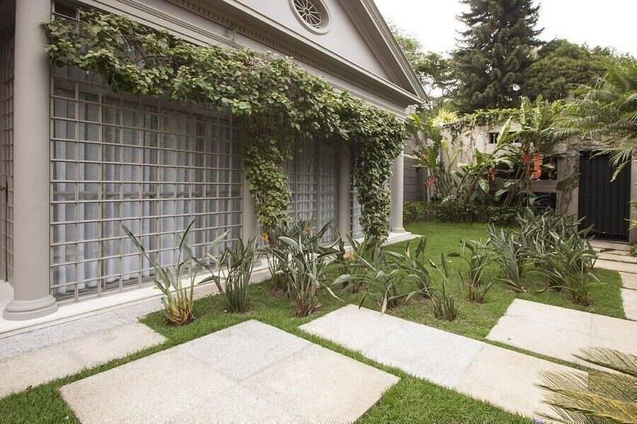 modelo de jardim residencial grande e simples Foto Deborah Basso