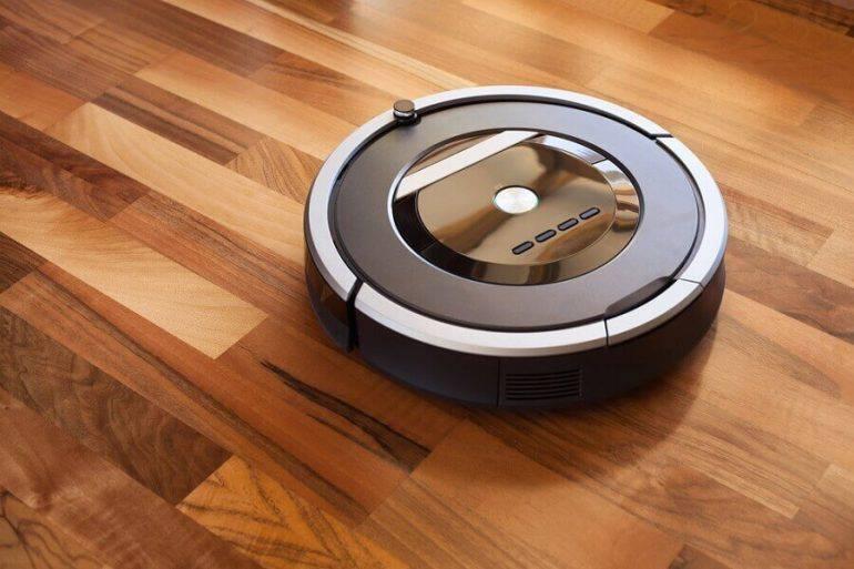 modelo e robô aspirador