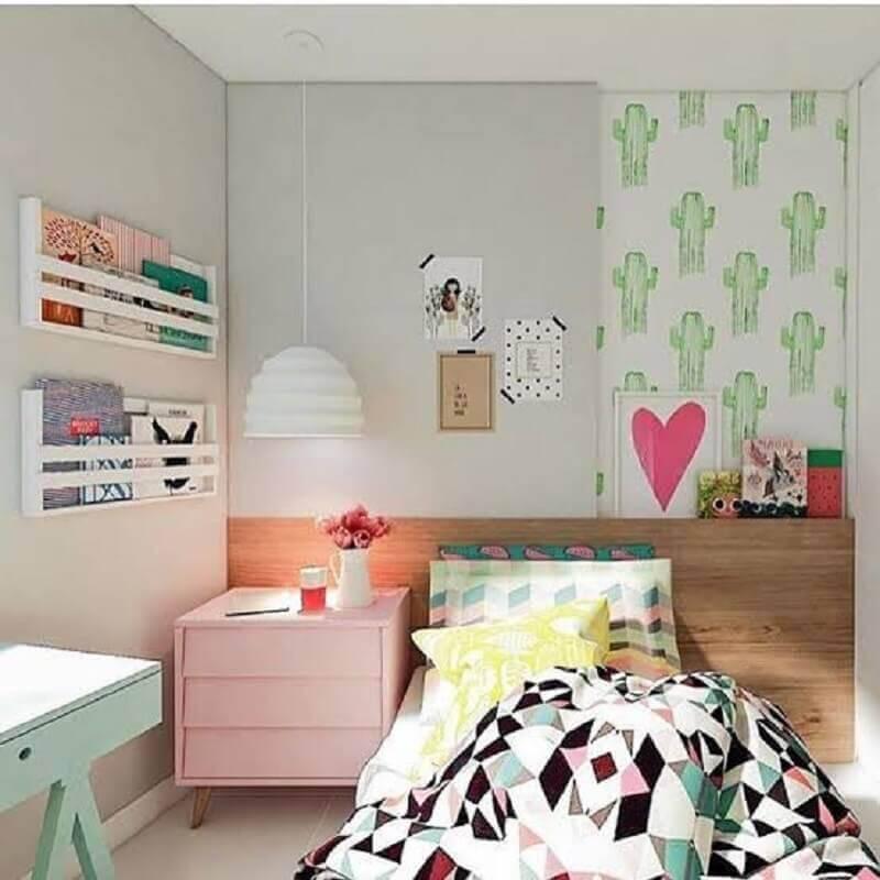 modelos de quarto infantil decorado com papel de parede de cacto e criado mudo rosa Foto We Heart It