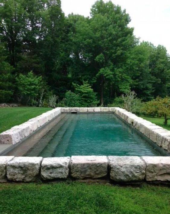pedra para piscina - piscina com bordas de pedra