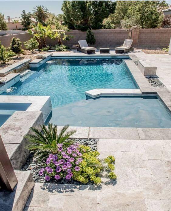 pedra para piscina - piscina modulada grande