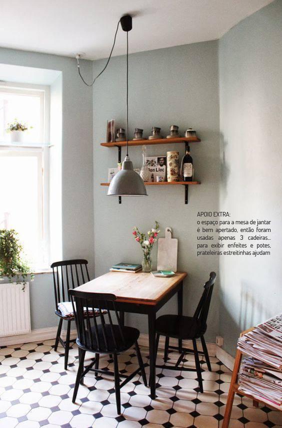 pisos antigos - cozinha com piso quadriculado