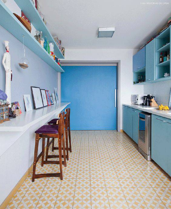pisos antigos - piso amarelo de cozinha