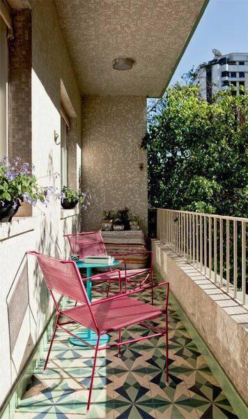 pisos antigos - piso de varanda colorida