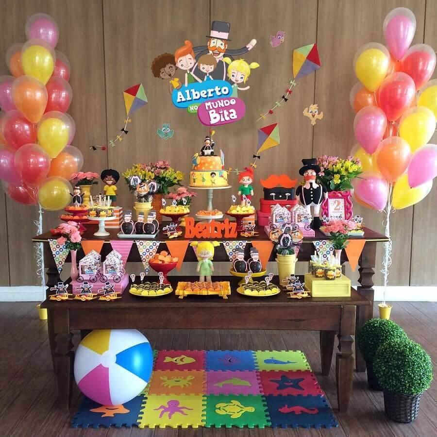 linda decoração para festa mundo bita simples Foto Amor Decorar