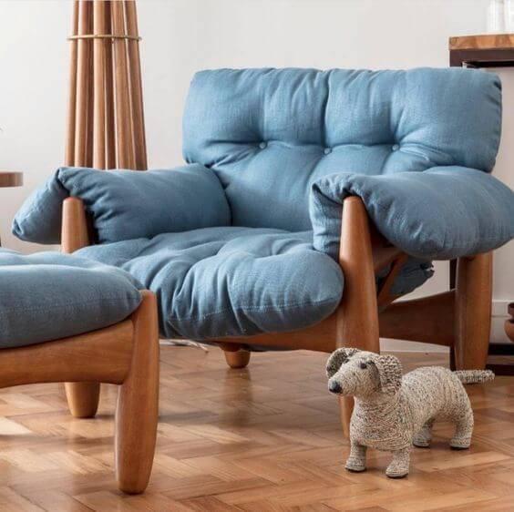 Poltrona azul para sala de estar