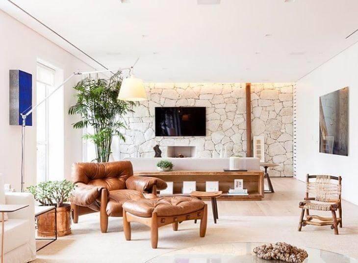 Poltrona marrom para sala de estar confortável e linda