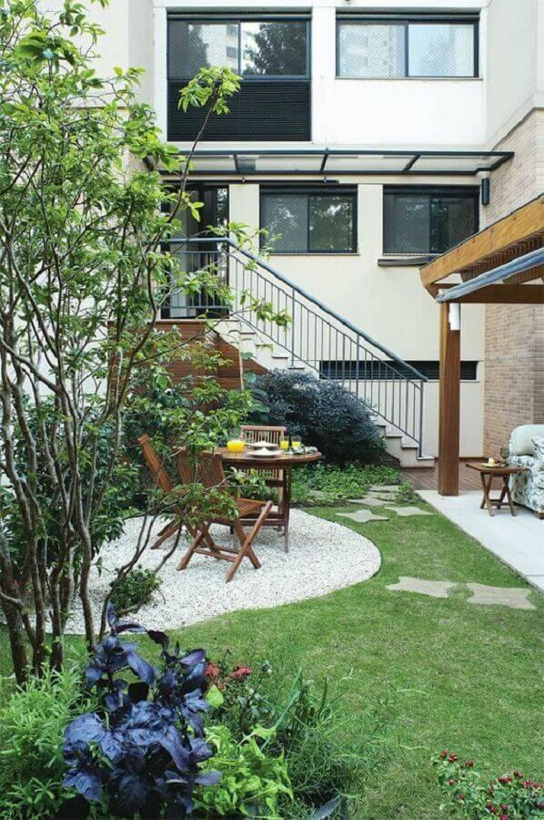 projeto de jardim residencial com pedras brancas Foto Dcore Você
