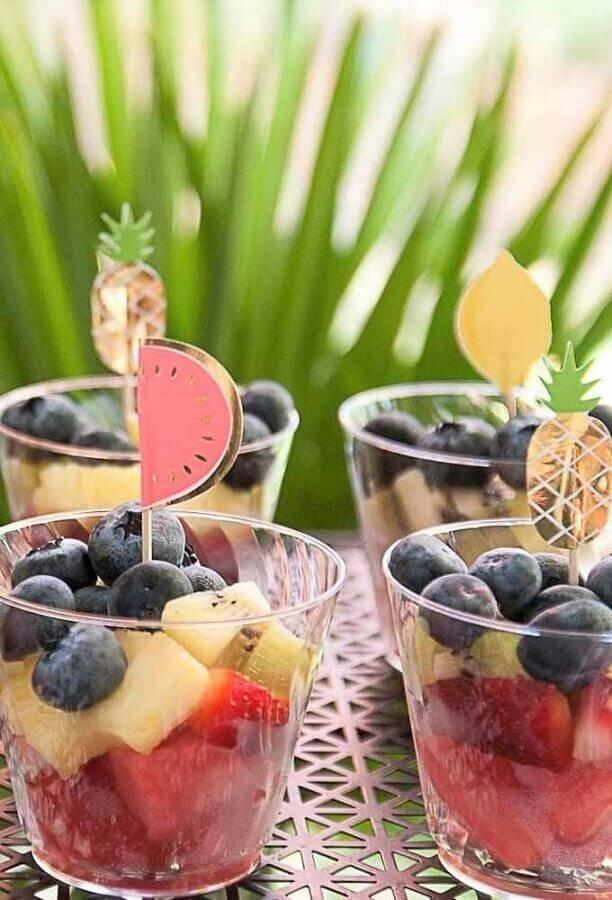 salada de frutas para festa surpresa para amiga Foto Pinosy