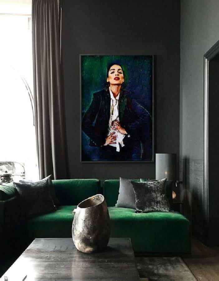 sofá verde escuro para sala moderna com paredes cinza Foto Pikcel Photography