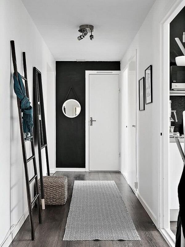Parede preta e branca para o hall de entrada