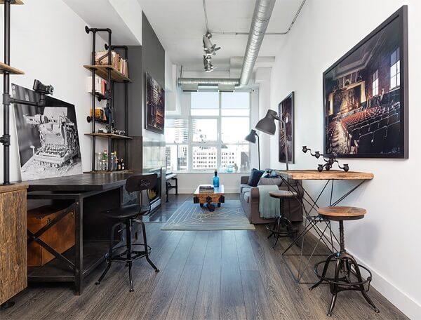 Loft industrial com piso laminado