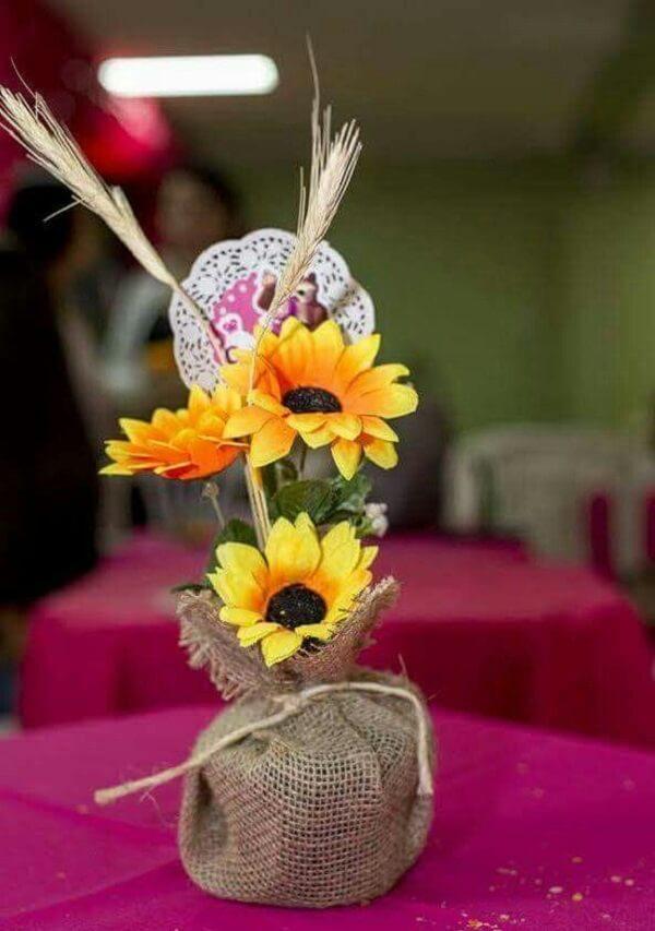Decoração tema de festa girassol simples