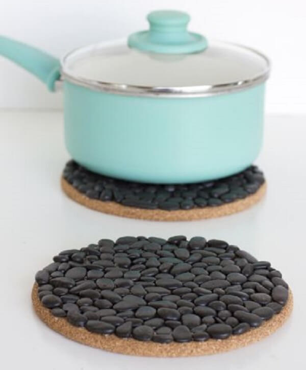 Piece of cork, glue and beans can form a beautiful handmade pot rest