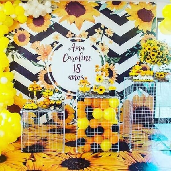 Wired decoration for sunflower theme party