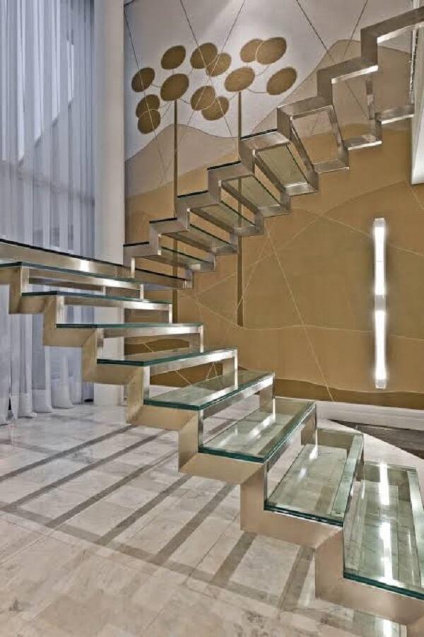 Escada de vidro flutuante em formato U