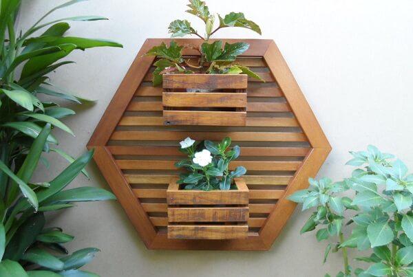 Floreira de madeira maciça de demolição