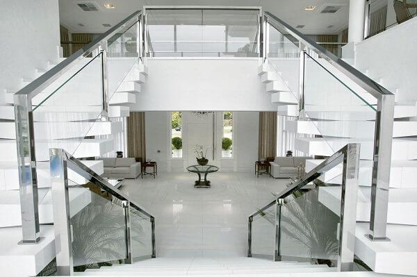 Guarda corpo de vidro escada imponente