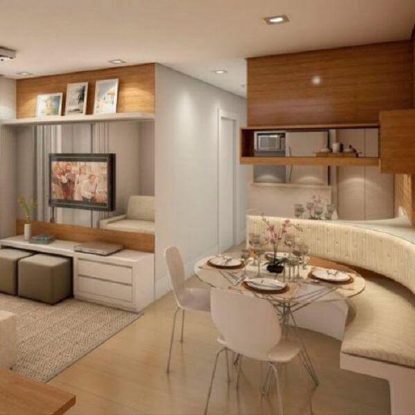 Mesa de canto para sala de jantar com assento em formato meia lua