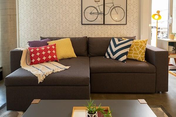 Modelo de sofá retrátil 2 lugares preto
