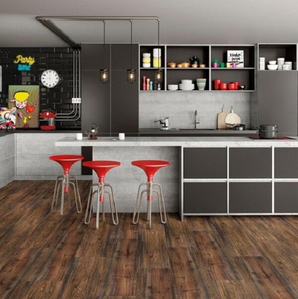 Piso laminado para a área da cozinha