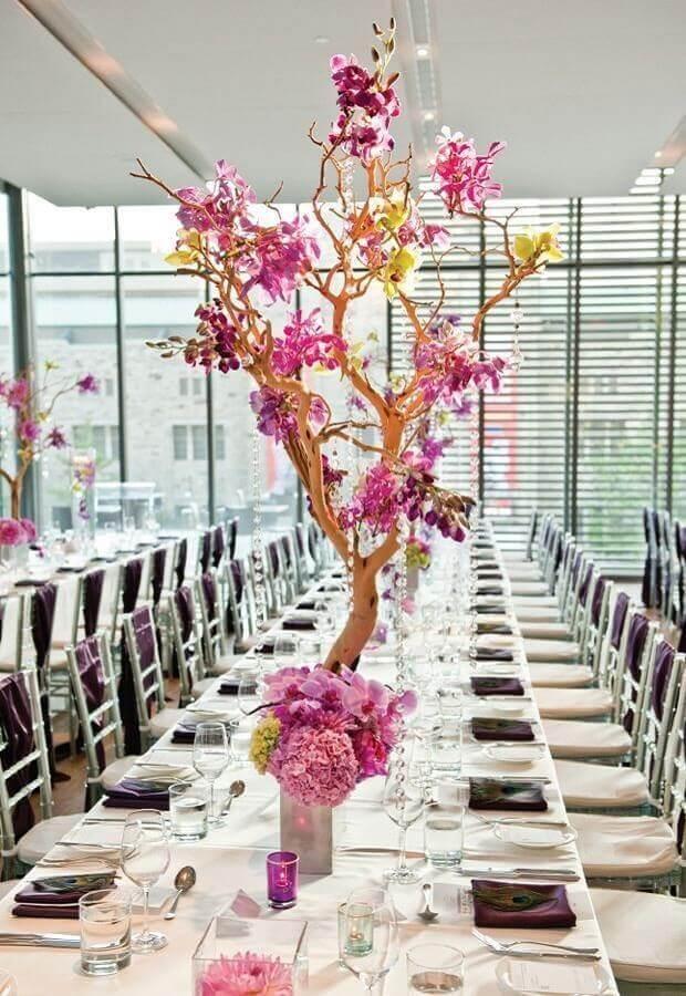 aniversário de casamento bodas decorado com arranjo de flores em galhos secos Foto Home Fashion Trend