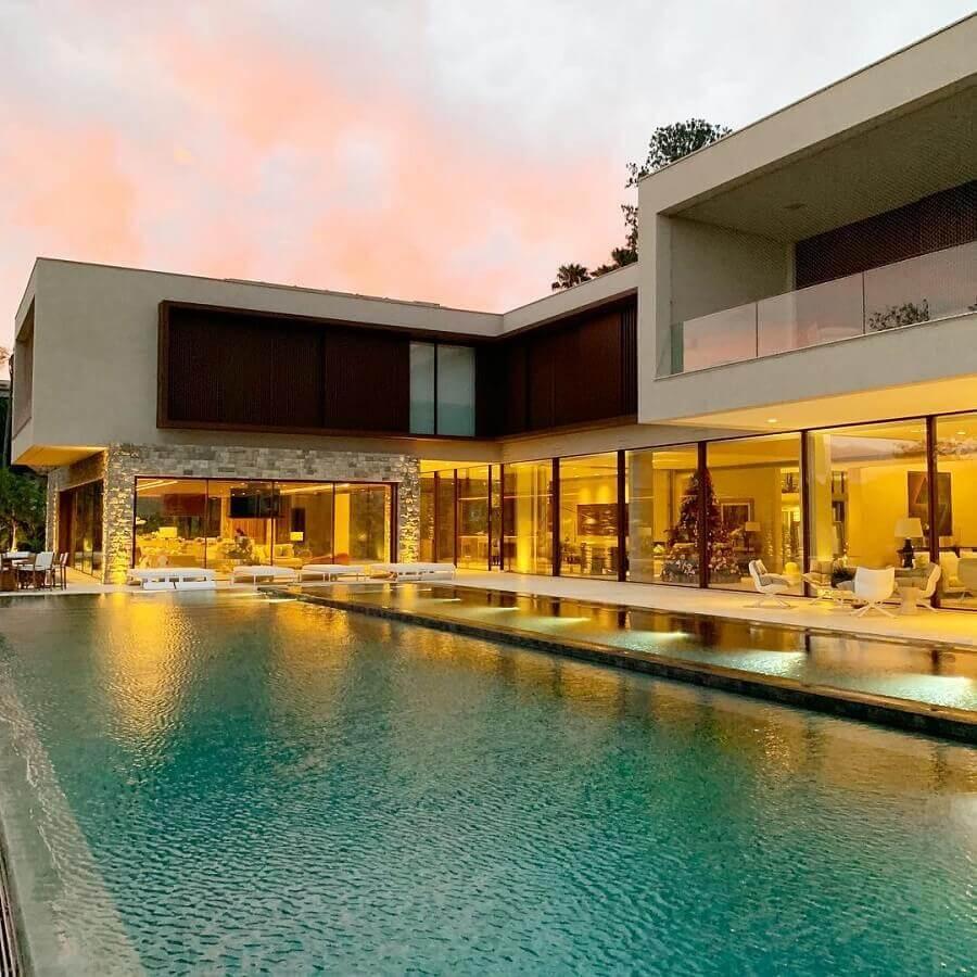 arquitetura moderna para casa em l grande com piscina Foto Roberto Migotto Arquiteto