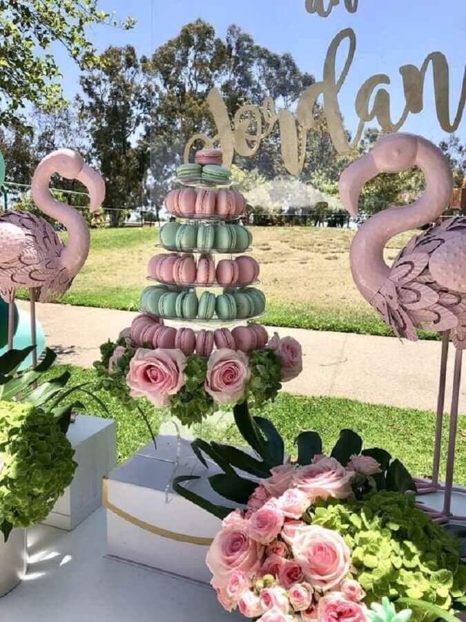 arranjo de rosas para decoração de festa flamingo Foto Catch My Party